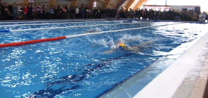 Informare: Bazinul de înot redeschis