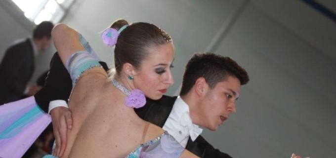 Rezultate bune ale dansatorilor turdeni la Cupa Oradea 2014
