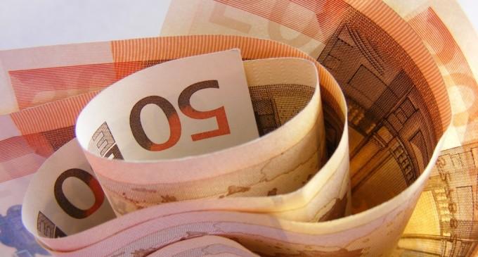 Beneficiarii de fonduri europene, inclusiv din România, vor parcurge proceduri mai simple pentru atragerea banilor UE, potrivit unei propuneri a Comisiei Europene, adoptate recent de Parlamentul European