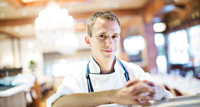 Cofetărie și restaurant cu tradiție din Turda, angajează: