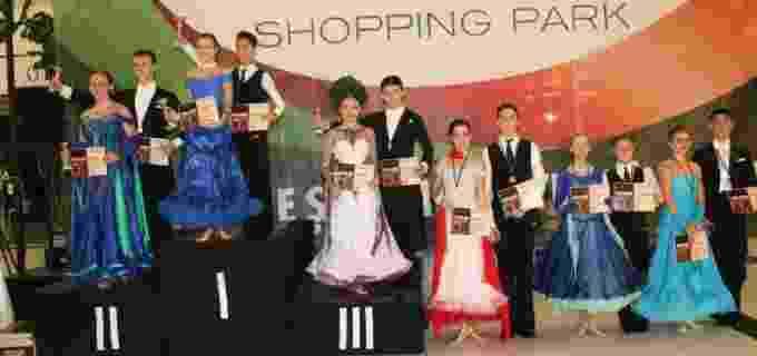 Dans sportiv Potaissa Turda: 5 perechi, 8 medalii la Oradea