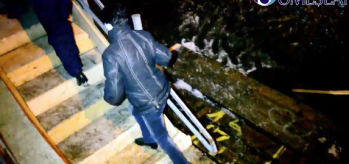 PANICA la un patinoar din Cluj. Lacul inghetat a cedat si mai multi oameni au cazut in apa rece