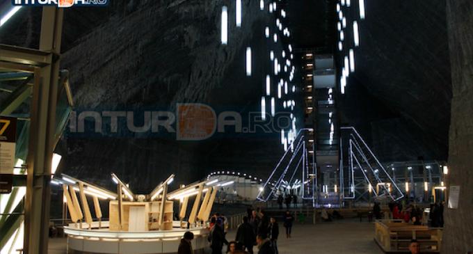 """Dailymail: """"Salina Turda din Transilvania este acum un muzeu al mineritului, dar şi un parc de distracţii"""""""