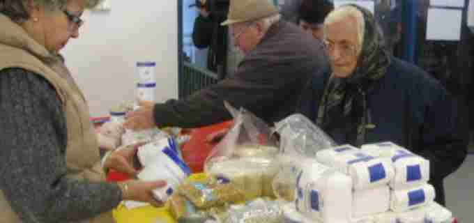 Toti cei care si-au ridicat produsele alimentare pentru persoane defavorizate, sunt asteptati pentru ridicarea unui supliment alimentar