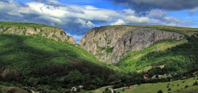 Proiectul vizând eficientizarea măsurilor de conservare a mediului natural din Cheile Turzii și Cheile Turenilor a fost finalizat