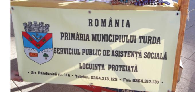 Beneficiarii Locuinței Protejate au fost prezenți la Târgul Meșteșugarilor cu produse handmade