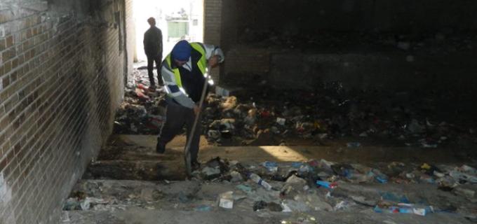 Primaria municipiului Turda a demarat actiunea de salubrizare a cinematografului Tineretului