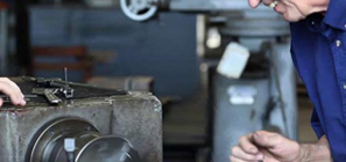 Firmă din Turda angajează strungar, sudor și lăcătuș mecanic cu experiență