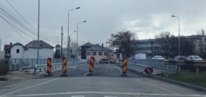 Primăria Turda: Lucrările de reabilitare a podului de peste râul Arieș vor fi finalizate în luna Mai