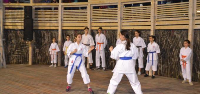 """Demonstrație de karate la Salina Turda în cadrul programului """"Școala Altfel"""""""