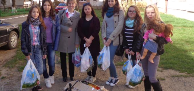 Iepurasul Voluntar s-a oprit la Centrul de Plasament din Turda