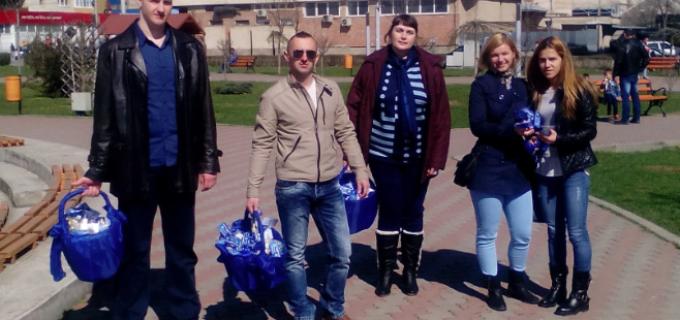 Membrii Tineretului Conservator Turda, au daruit sute de pachete cu oua si iepurasi de ciocolata