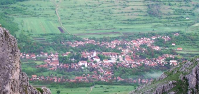Vezi VIDEO: Locul din România care atrage turiști din toată Europa, situat la 30 km de Turda
