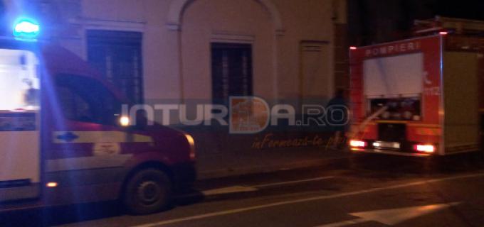 VIDEO: Detașamentul de pompieri Turda – exercițiu la Teatrul Aureliu Manea