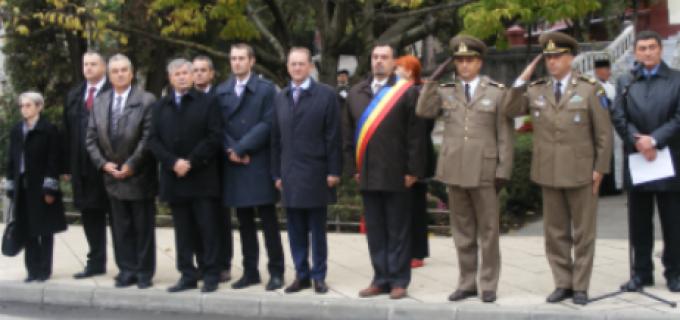 Ceremonial depunere de coroane în memoria ostaşilor sovietici