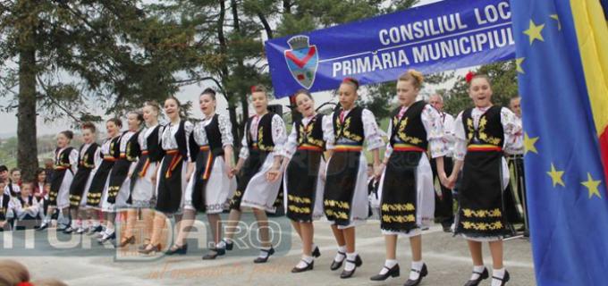 """Serbare câmpenească """"Să dăm viață anilor"""" – duminică, 25 iunie, lângă lacul Csiki"""