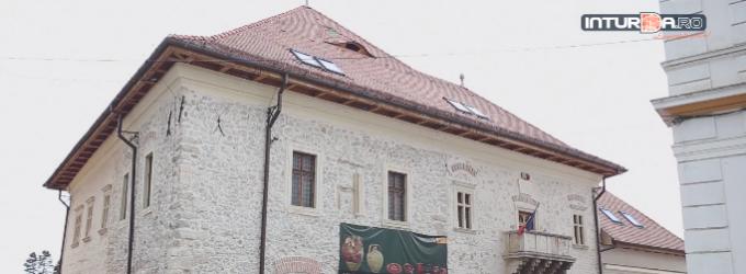 ATELIER DE CUSUT MODELE TRADITIONALE la Muzeul de Istorie din Turda