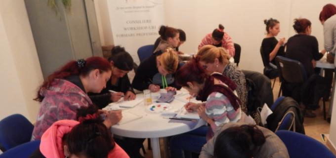 """Atelier de dezvoltare și cunoaștere personală pentru persoane de etnie romă organizat în cadrul proiectului ,,Și noi avem dreptul la muncă!""""   la Câmpia Turzii"""