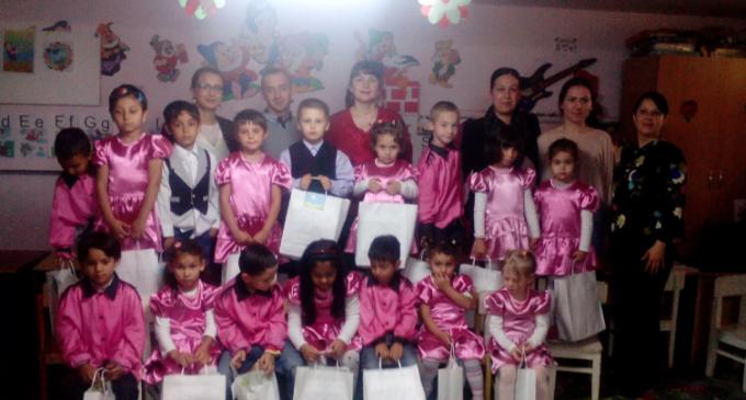 Ziua Internaţională a Copilului a fost marcată de membrii Organizaţiei de Tineret a Partidului Conservator Turda