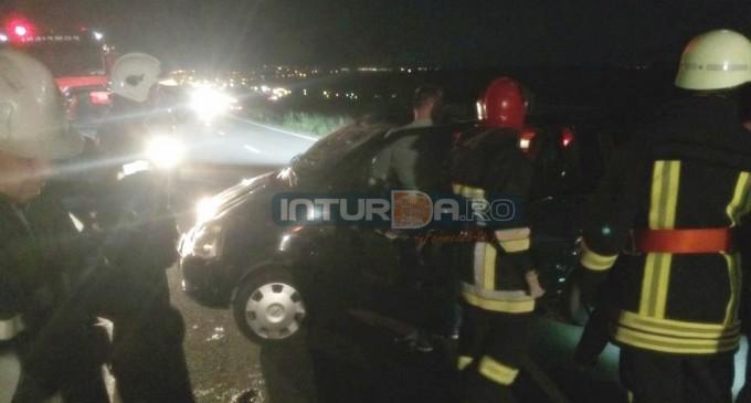 VIDEO/FOTO: Accident grav la Turda! Un tânăr s-a răsturnat cu mașina după ce a fost lovit de autoturismul unei femei din Harghita care a pătruns pe contrasens!