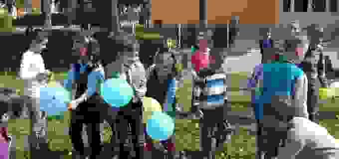 FOTO: Elevii de la Școala Avram Iancu au sărbătorit 10 ani de eTwinning
