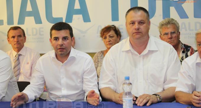 VIDEO: Daniel Constantin alaturi de Mircea Irimie la Sediul ALDE Turda.