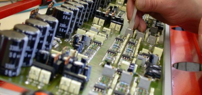 Firmă din Turda angajează: TEHNICIAN ELECTRONIST