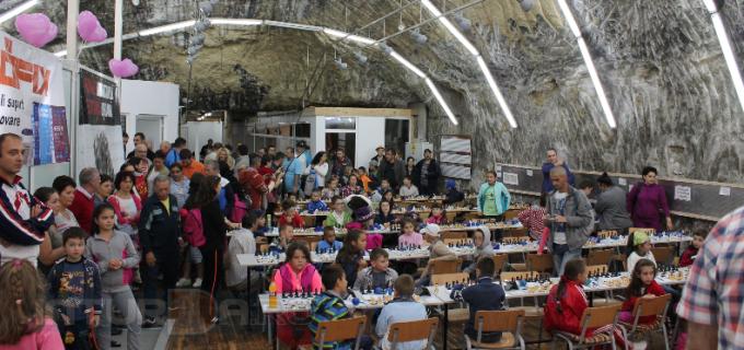 Astăzi se dă startul Festivalului Internațional de șah pentru copii la Salina Turda