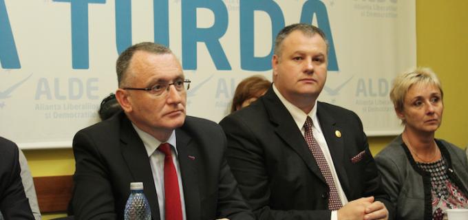 VIDEO: Ministrul Educaţiei, Sorin Cîmpeanu, in vizita la Turda