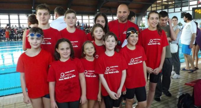 10 copii turdeni au participat la un concurs international de inot