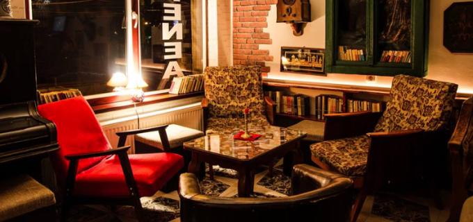 Turdenii care cauta un local unde nu se fumeaza deloc, pot merge acum la Andy's Caffe