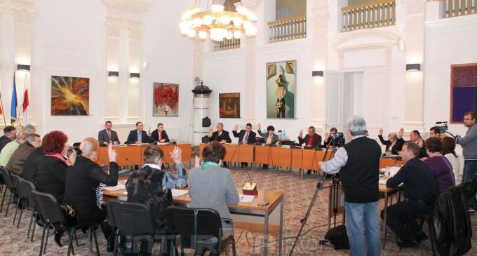 60 de profesori vor fi premiați de Consiliul Local și Primăria Turda în luna decembrie, cu suma totală de 15.000 lei