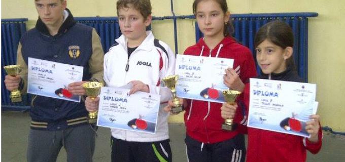 """La Turda s-a desfășurat prima ediție a """"Cupei Arieșul"""" la tenis de masă"""