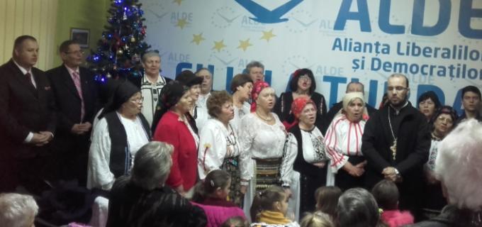 Colinde in prag de Sfinte Sărbători la sediul ALDE Turda