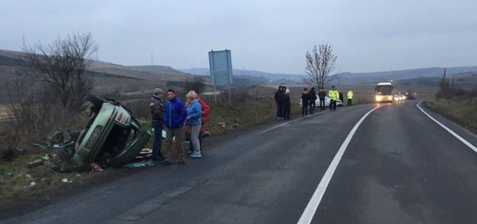 FOTO: Accident între Turda și Aiud. Trei persoane au fost rănite