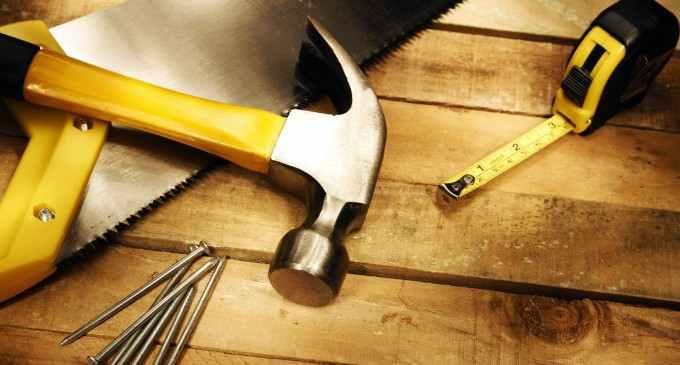 CCOFM Turda: Locuri de muncă disponibile pentru tâmplari, dulgheri și muncitori necalificați