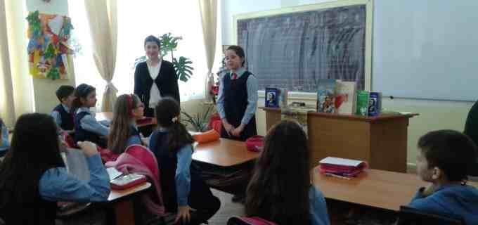 """Ziua lui Mihai Eminescu a fost sărbătorită în cadrul Şcolii Gimnaziale """"Ioan Opriş"""" printr-o colaborare inedită"""