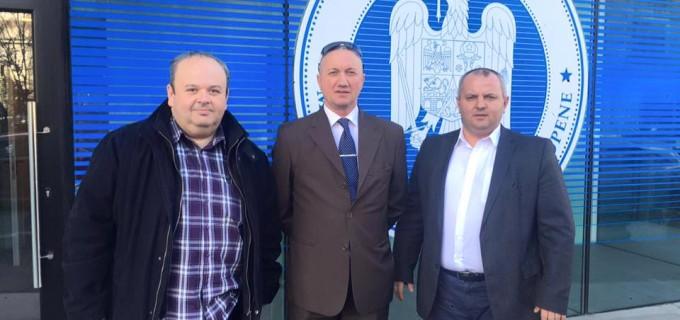 FOTO: Petre Pop si Avram Gal, la Ministerul Fondurilor Europene pentru fonduri necesare asfaltarii de strazi