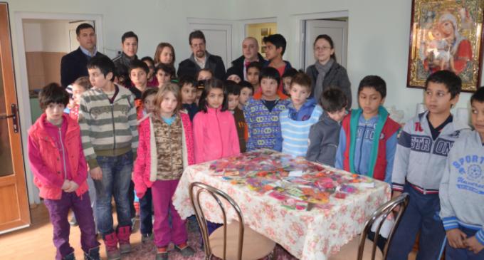 Tinerii liberali marchează începutul primăverii oferind mărțișoare