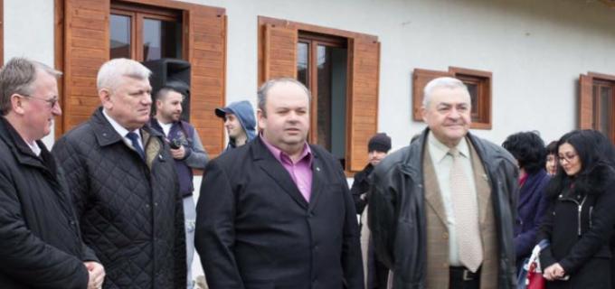 """Administrația locală de la Câmpia Turzii a inaugurat muzeul """"Prima Școală Română"""""""