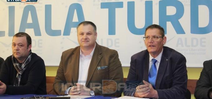 """Sărmășan Adrian îl felicită pe Irimie: """"Această funcție este o recunoaștere a meritelor și a calităților fostului deputat ALDE!"""""""