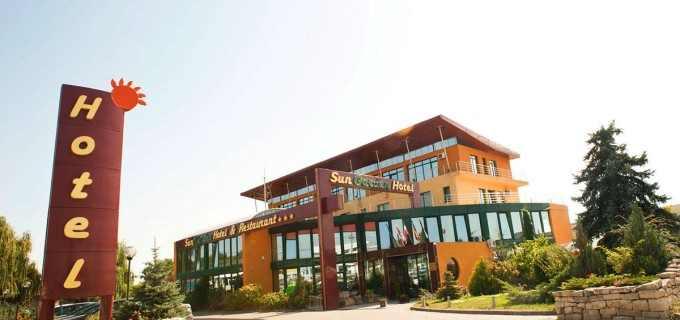 Hotel SunGarden Turda angajeaza bucatar si ajutor bucatar cu experienta