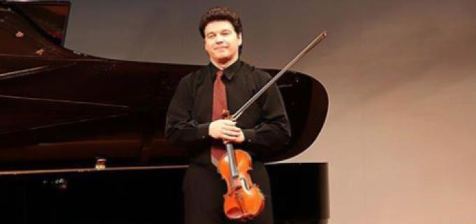 Recital de muzică de cameră cu violonistul Claudiu Hontilă