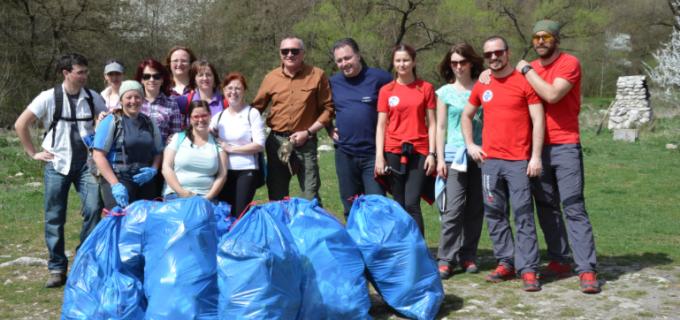 Ampla actiune de ecologizare derulata de Consiliul Judetean Cluj in Cheile Turzii