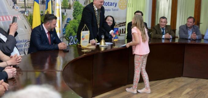 Clubul Rotary Câmpia Turzii a premiat elevii cu rezultate bune la învățătură