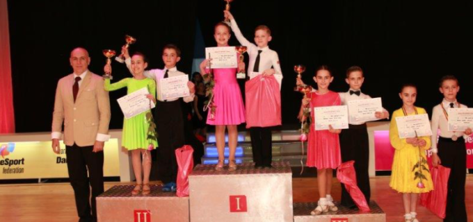Dansatorii turdeni la WDSF European Youth Championship Standard si Timisoara Open Championship