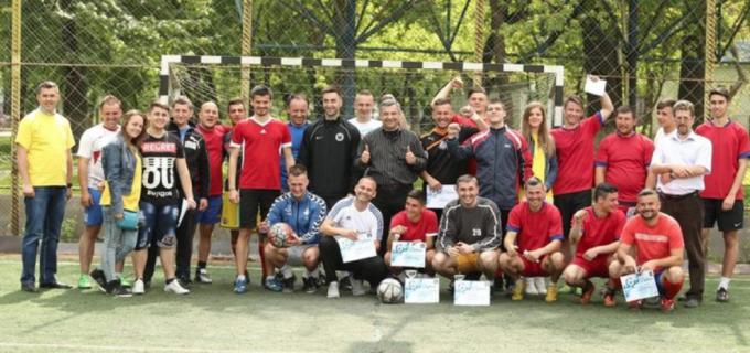 """""""Sportul rege"""" a fost onorat cum se cuvine la competiția de minifotbal organizată de PNL Turda"""