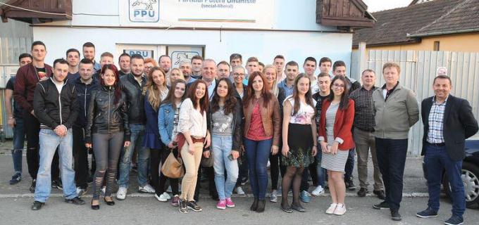 Problemele tinerilor din Câmpia Turzii, în atenția lui Avram Gal