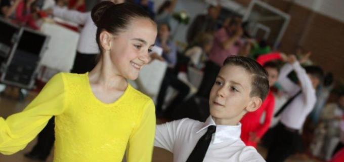4 medalii obținute de Clubul de Dans Sportiv Potaissa Turda la Cupa Satmarului
