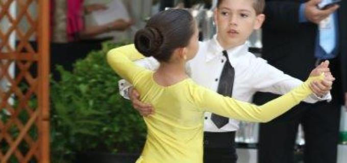 Dansatorii turdeni au particpat în weekend la 3 concursuri și evenimente importante